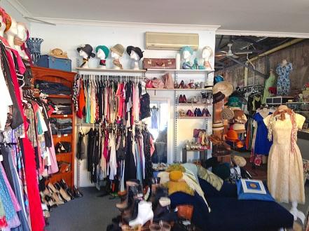 Momo's Vintage Beaufort St